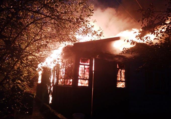 Чоловік спалив хату колишній коханці у Радомишльському районі