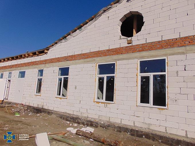 СБУ задокументувала розкрадання бюджетних коштів під час будівництва амбулаторії на Радомишльщині