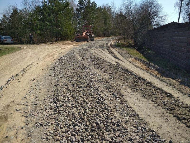В Радомишльському районі розпочато поточні ремонтні роботи з приведення доріг у належний експлуатаційний стан. + ФОТО