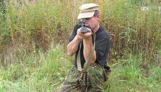 В Радомышльском районе едва не погибли два егеря, в которых браконьер выстрелил из ружья