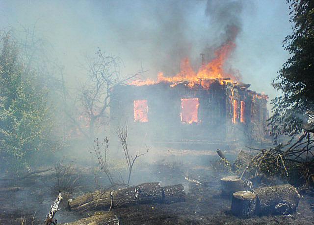 У Негребівці вогонь знищив чотири будівлі