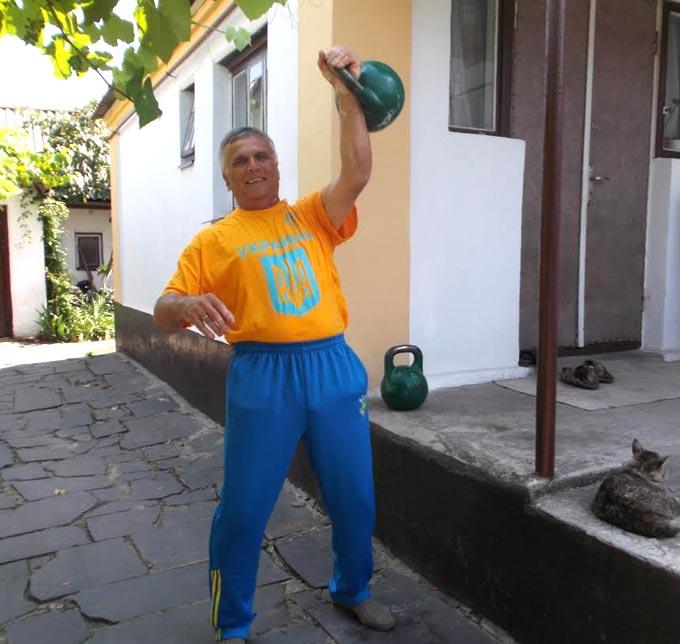 Наш земляк Віктор Міхненко нещодавно став чемпіоном Європи з гирьового спорту