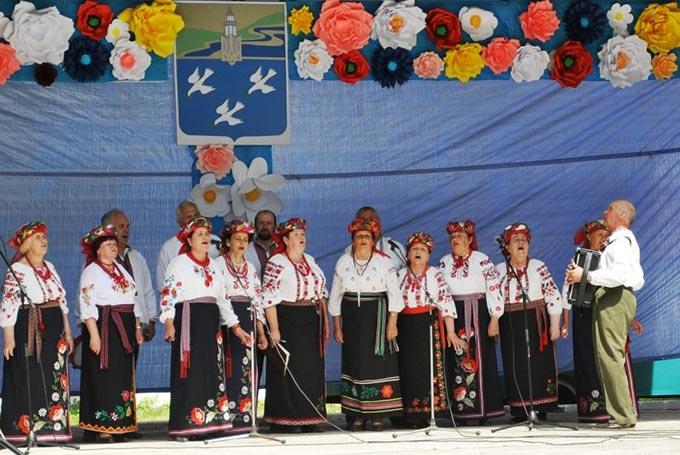 Хоровий колектив Радомишльської міської ради «Пісні моєї душі» запросили на «Лесині джерела»
