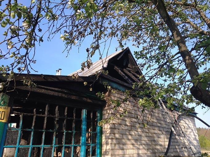 У Радомишльському районі бійці ДСНС врятували приватну оселю від повного знищення вогнем. + ФОТО