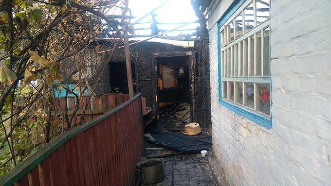У Радомишльському районі за добу ліквідовано два загоряння літніх кухонь у приватних обійстях