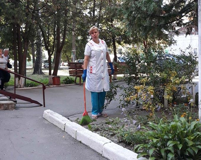 Радомишльська лікарня готується до головного свята нашої країни. + ФОТО