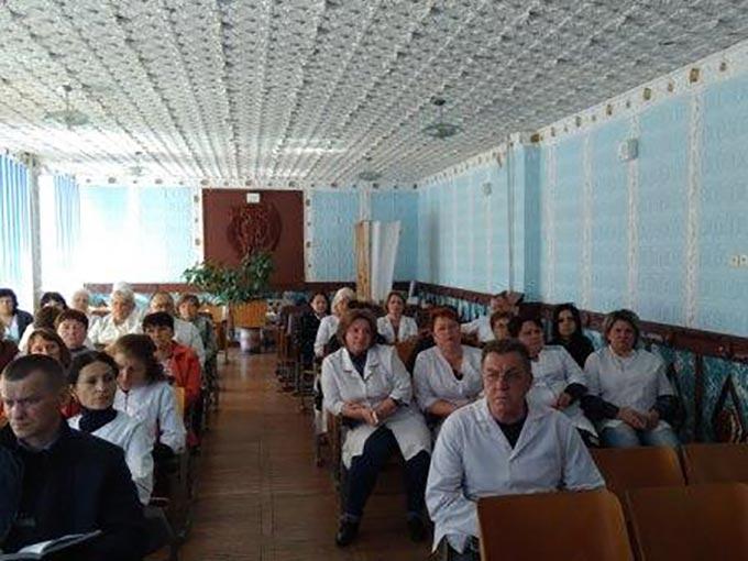 Лікарі-онкологи провели профілактичні огляди населення в Радомишльському та Малинському районах. + ФОТО