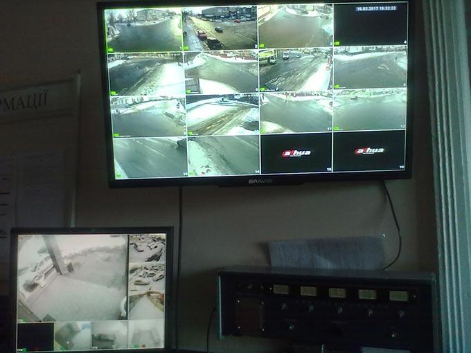 Радомишльські поліцейські розкрили ряд правопорушень за допомогою камер відеоспостереження. + ФОТО