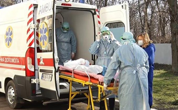 Заражена короновірусом жінка з Радомишля померла, — головний санлікар України
