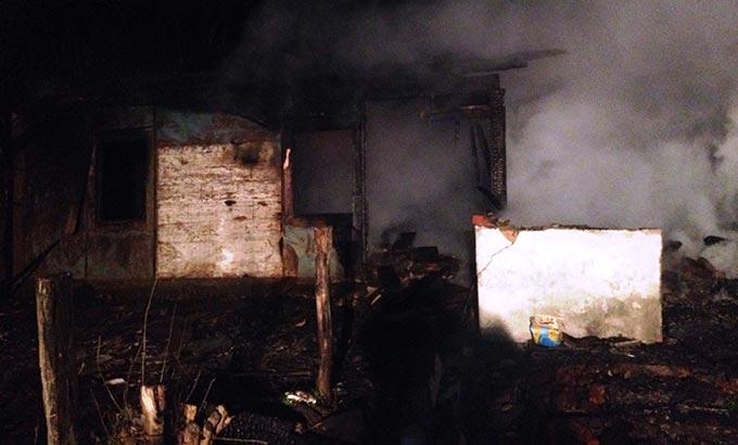 У Радомишльському районі на пожежі у приватному будинку загинули мати та син