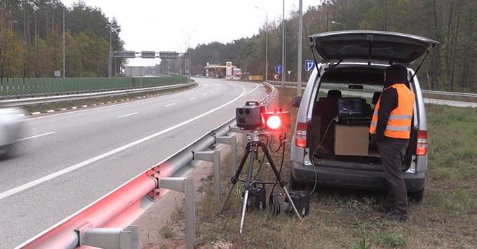 Новітнє обладнання для фіксації порушень ПДР возять по дорогах Житомирської області та фотографують порушників. + ВІДЕО