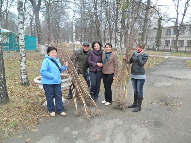 ПриватБанк організував суботник у Радомишлі