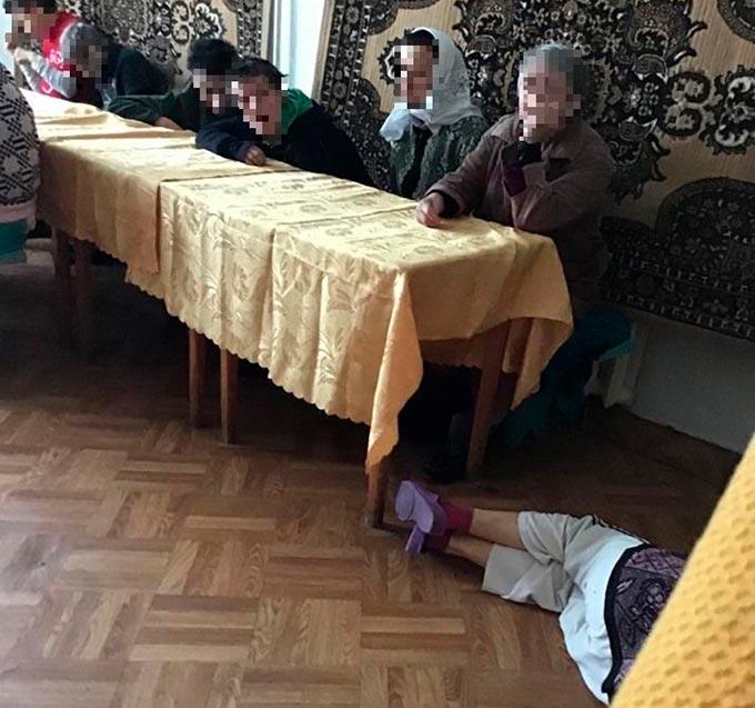У психоневрологічному інтернаті в Радомишлі б'ють підопічних і не надають належної медичної допомоги. +ФОТО