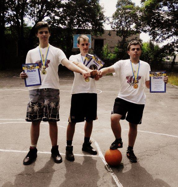 """12 липня в Радомишлі завершилася перша літня стрітбольна ліга """"3x3dreamstreet2015"""". ФОТО"""