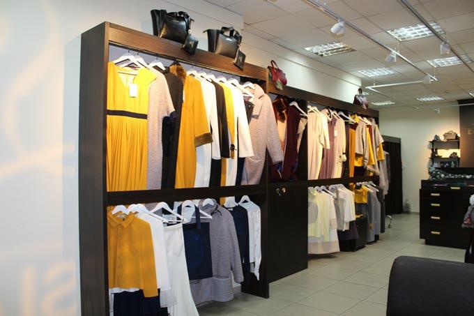 Ласкаво просимо в магазин секонд-хенду та стокового одягу для всієї сім'ї.