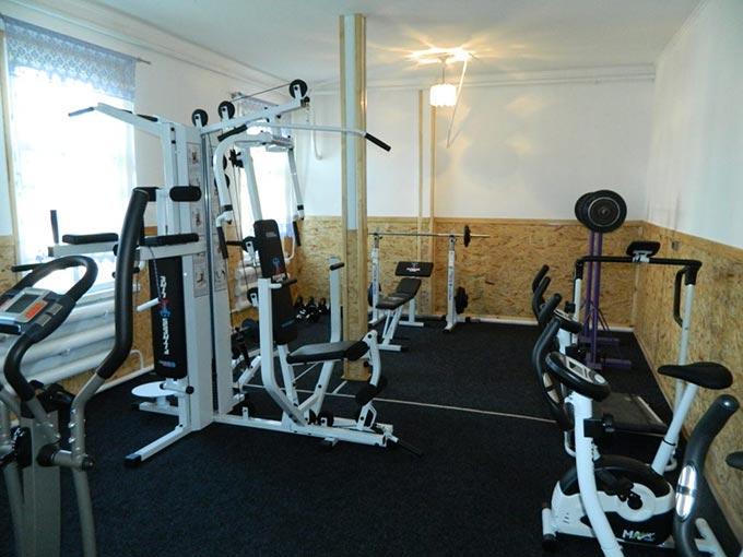 До 50-ти річчя в дитячій юнацько-спортивній школі відкрилась тренажерна зала. + ФОТО
