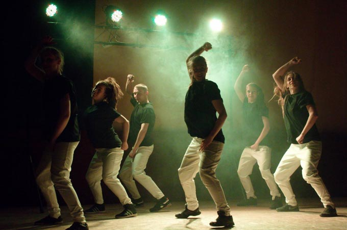 У Радомишлі відбулося «Шоу Сергія Вікторова» з патріотичною мистецькою акцією. ФОТО