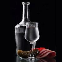 Податкова нагадує, що алкоголь перед Новим роком подорожчає