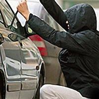 У Радомишльському р-нi затримали викрадачiв автомобiлiв