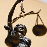 За хабарництво засуджено працівників державного земельного кадастру районного відділу Держкомзему